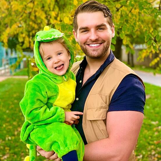 Family_Halloween_Costume_Contest_21