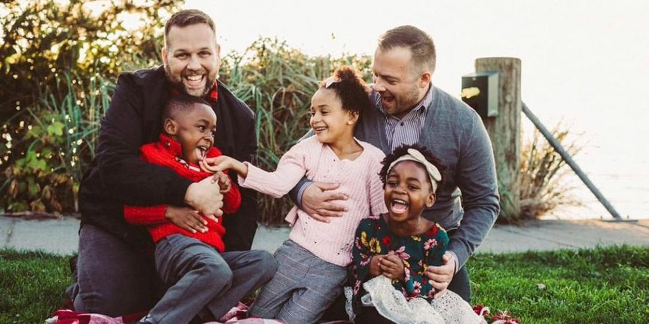 Gay_Dads_Celebrate_Holidays_Annual_Photos