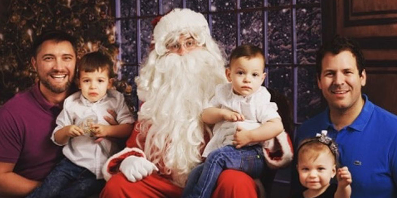 Gay_Dads_With_Kids_Santa_Photoshoot
