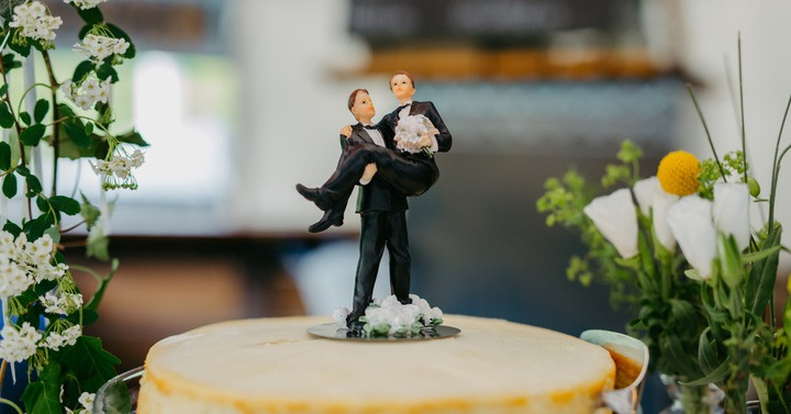 gay wedding topper for lgbtq+ wedding decoration