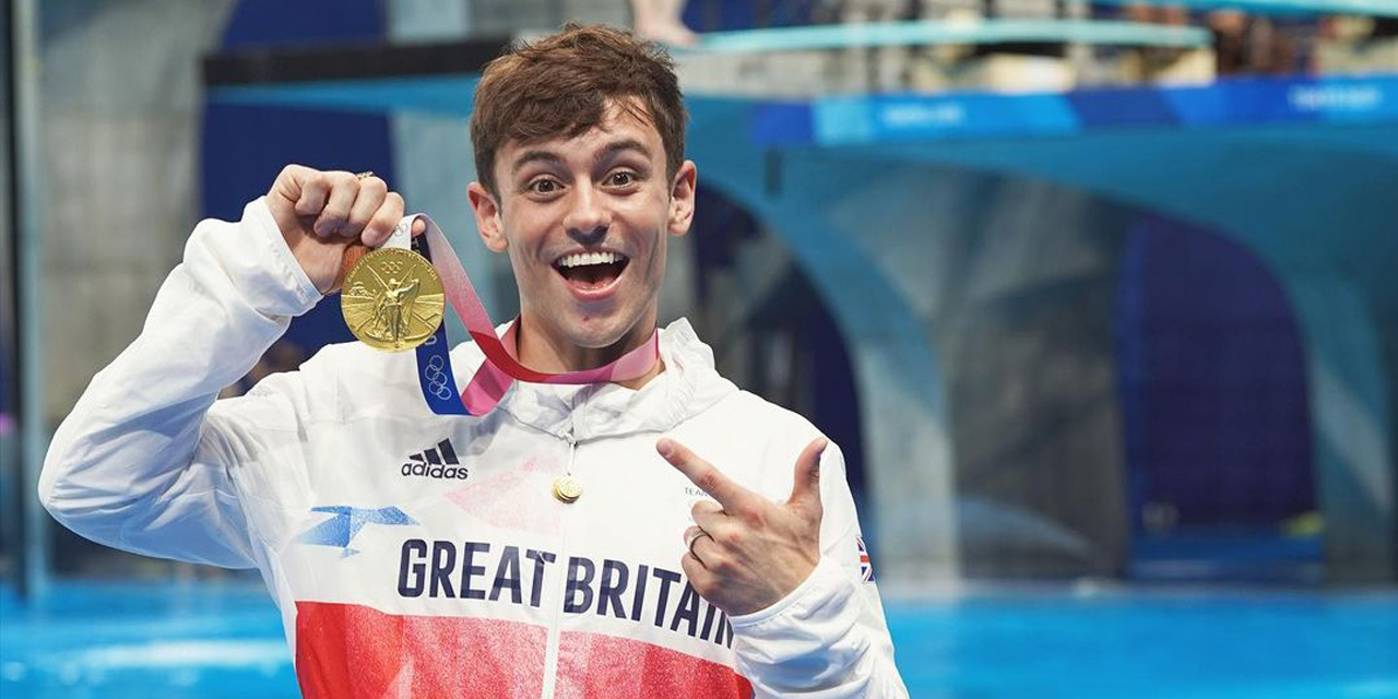 Gay Dad, Tom Daley, wins olympic gold medal